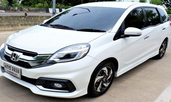HONDA Mobilio 1.5 RS ปี 2015 สีขาว