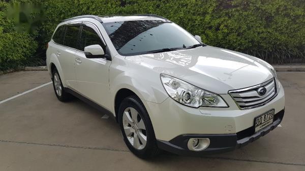 ด้านหน้า Subaru Outback มือสอง ปี 2013
