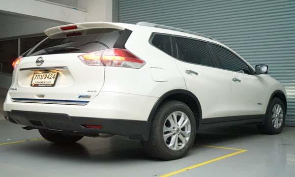 ด้านหลัง Nissan X-Trail รุ่น 2.0 V Hybrid