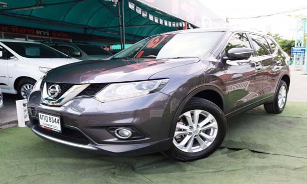 Nissan X-trail รุ่น 2.0 S ปี 2015 สีเทา