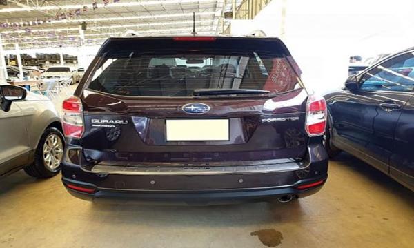 ด้านหลัง Subaru Forester 2.0 I-P ปี 2013