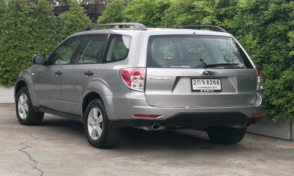 ด้านหลัง Subaru Forester 2.0 X AWD