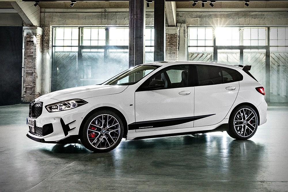 All-new BMW 1 Series 2020 ก็ยังคงเปรี้ยวได้สุดด้วยชุดแต่ง M Performance ที่เตรียมไว้ให้พร้อมแต่งได้เลยทันทีที่เริ่มวางจำหน่าย