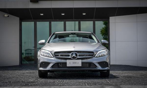 Mercedes-Benz C 300 e Avantgarde