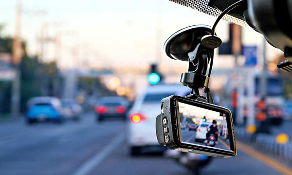 กล้องบันทึกวีดีโอติดรถยนต์