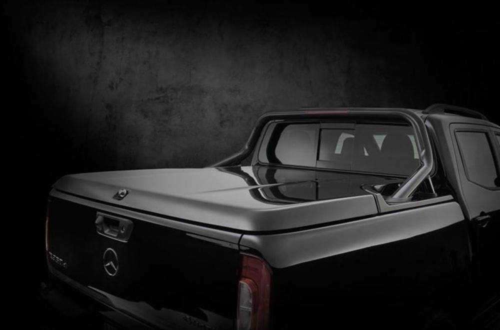 Mercedes-Benz X350d Edition 1 2019 ได้รับการติดตั้งพื้นปูกระบะท้ายสีดำและสปอร์ตบาร์สีดำอีกเช่นเดียวกัน