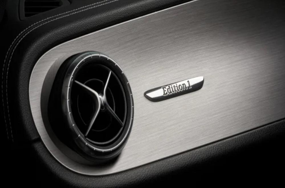Mercedes-Benz X350d Edition 1 2019 เพิ่มความสปอร์ตให้ภายในห้องโดยสารด้วยช่องแอร์แบบสปอร์ตตกแต่งด้วยสีโครเมียมรมดำ