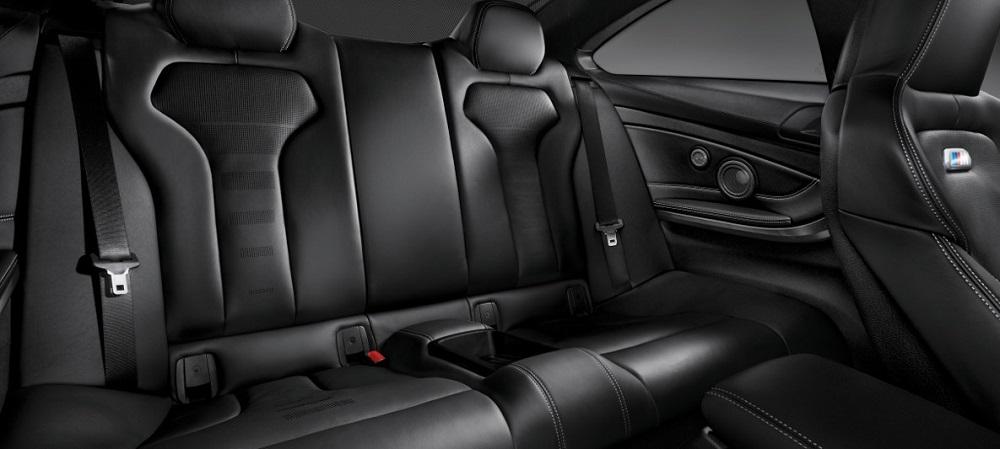 ภายในห้องโดยสาร MBW M4 Coupe ออกแบบและตกแต่งสไตล์สปอร์ต และยังกว้างขวาง นั่งสบายทุกที่นั่ง