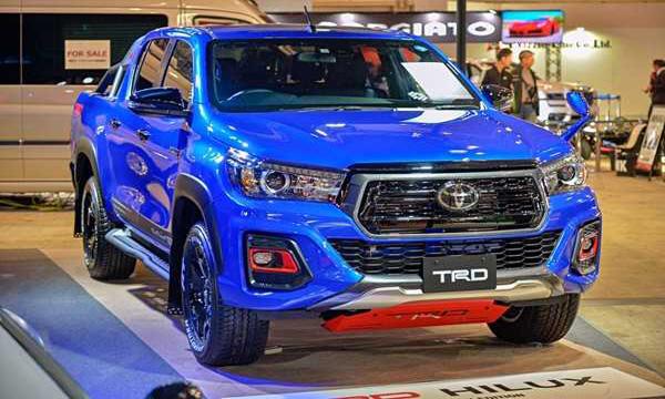 Toyota Revo กับชุดแต่ง TRD
