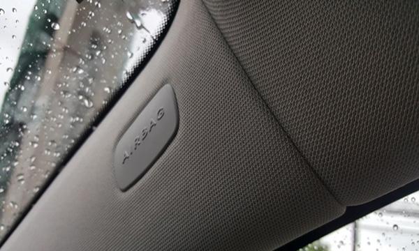 ระบบถุงลมนิรภัย Airbag ถูกติดตั้งเอาไว้ในหลายจุด