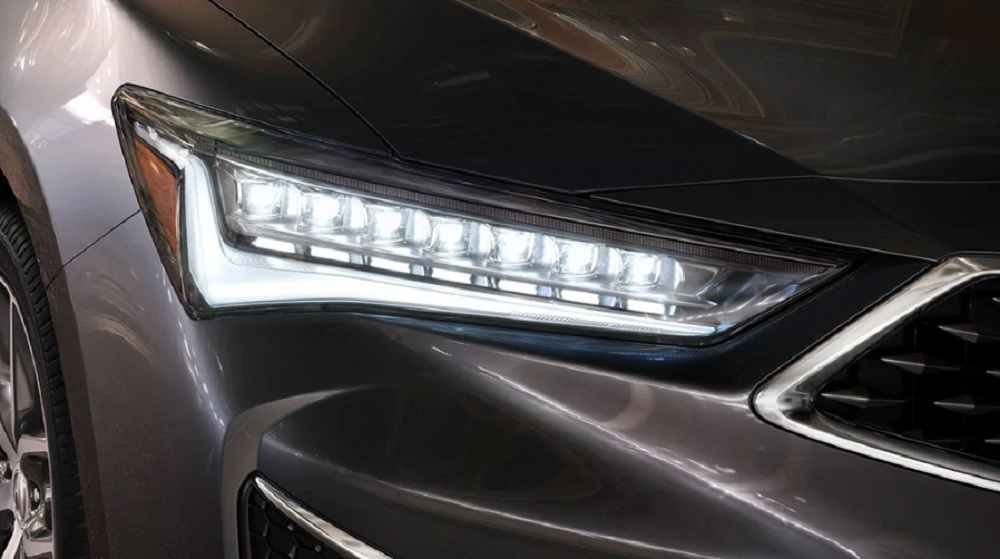 สวยโดดเด่น โฉบเฉี่ยว ด้วยไฟหน้าแบบ LED พร้อมไฟโปรเจคเตอร์ 7-LED