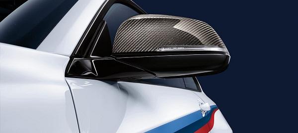 กระจกข้างเป็นแบบ Carbon-fiber CFRP