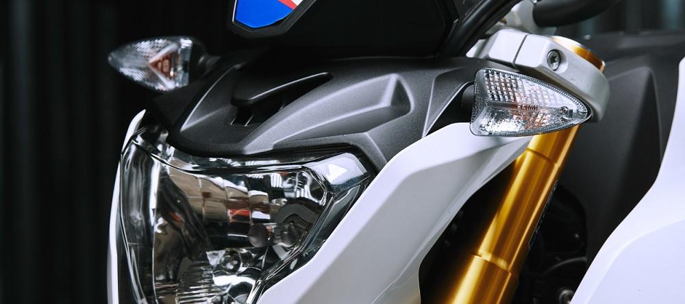 BMW G 310 R  สวย โดดเด่นด้วยแฟริ่งหน้าแบบสปอร์ตพร้อมไฟหน้าทรงพลัง
