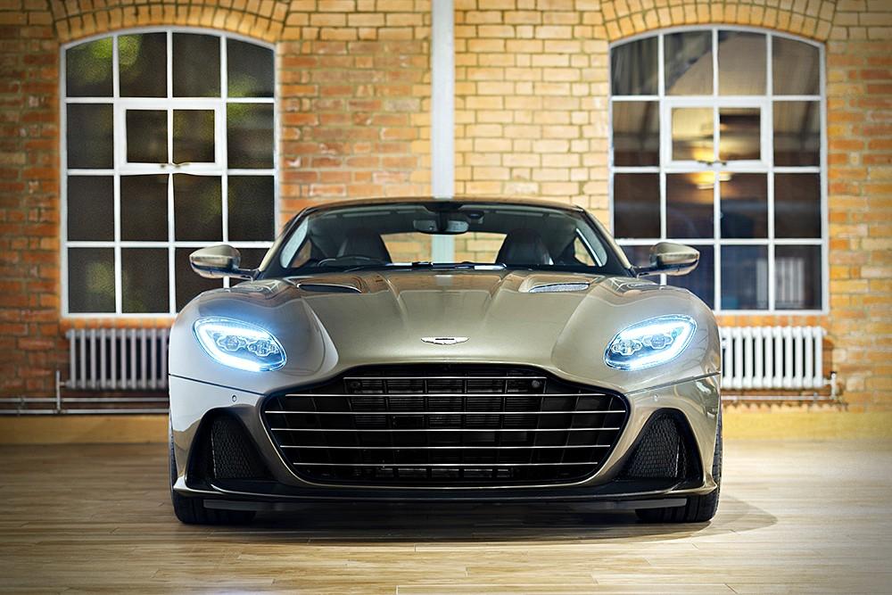 Aston Martin DBS Superleggera Special Edition จะถูกพ่นด้วยสีตัวถัง Olive Green แบบเดียวกับ Aston Martin DBS ใน On Her Majesty's Secret Service