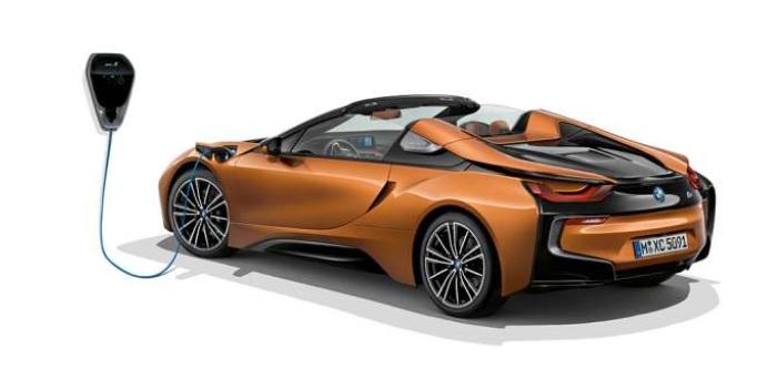 BMW i8 Roadster 2019-2020  มาพร้อมกับชุดแบตเตอรี่ลิเธียมไอออนแรงดันสูง