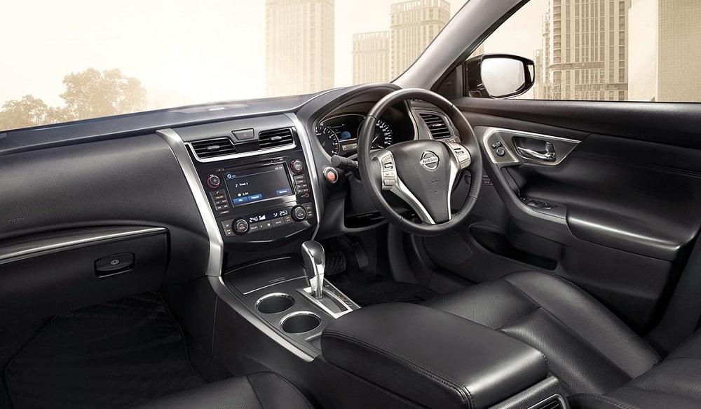 Nissan Teana 2019-2020 มาพร้อมกับอุปกรณ์และสิ่งอำนวยความสะดวกที่ทันสมัยอีกมากมาย  โดยถูกออกแบบและจัดวางเน้นผู้ขับขี่เป็นศูนย์กลาง เพื่อความสะดวกและความปลอดภัยในการใช้งาน