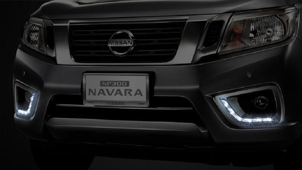 ไฟ Daytime Running Light แบบ LED รูปทรงตัว L เพิ่มความโดดเด่นกับ NISSAN NAVARA  BLACK EDITION 2019-2020 มากขึ้น