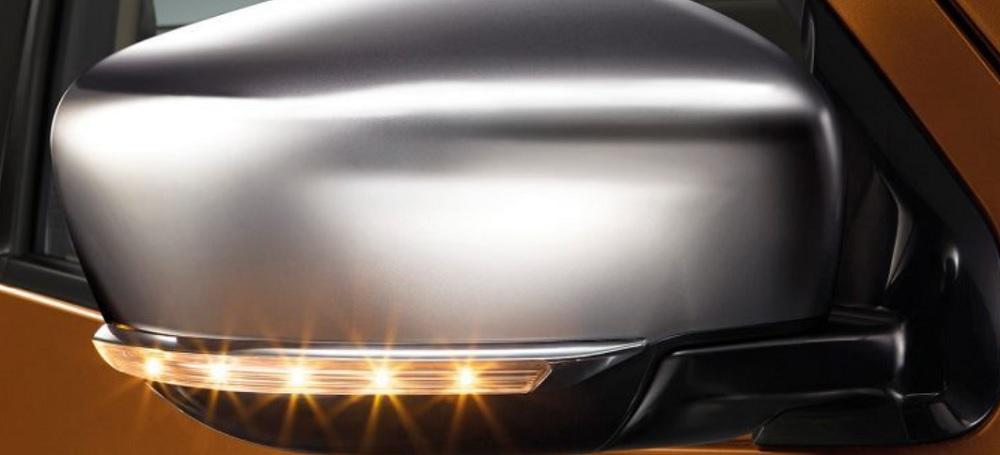 กระจอมองข้างโครเมียมพร้อมไฟเลี้ยวในตัวแบบ LED