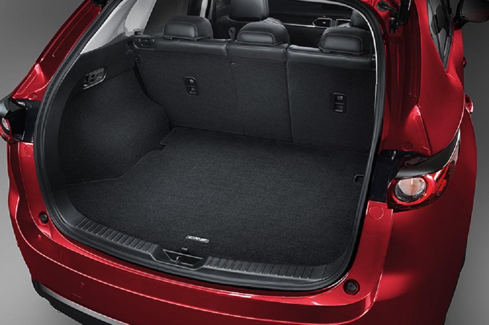 Luggage Mat (Carpet) พรมปูท้ายรถ หมายเลขอะไหล่ : KT82V0380 ราคา 1,200 บาท (ไม่รวม VAT)