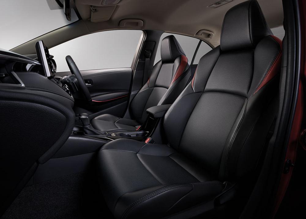Sport Leather Seats เบาะหนังคู่หน้าทรงสปอร์ตดีไซน์สีดำตกแต่งสีแดง