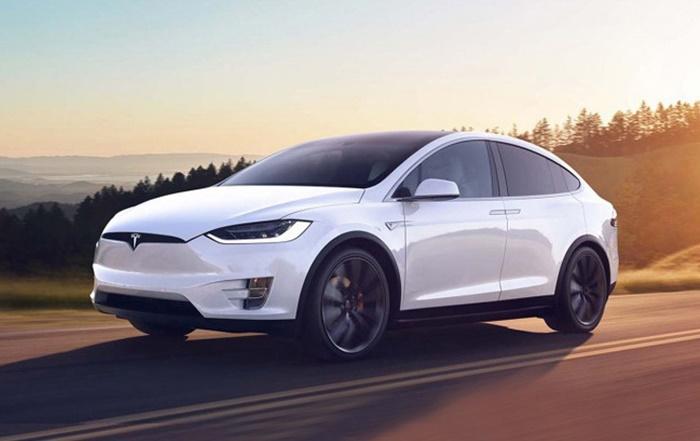 Tesla พูดได้
