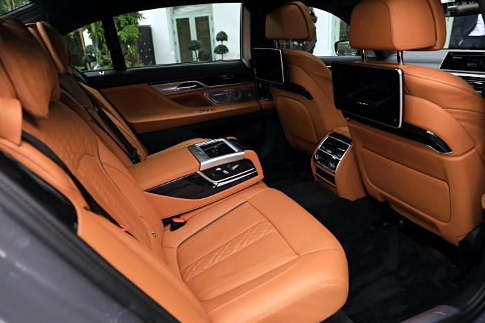 BMW Series 7 ปี 2020