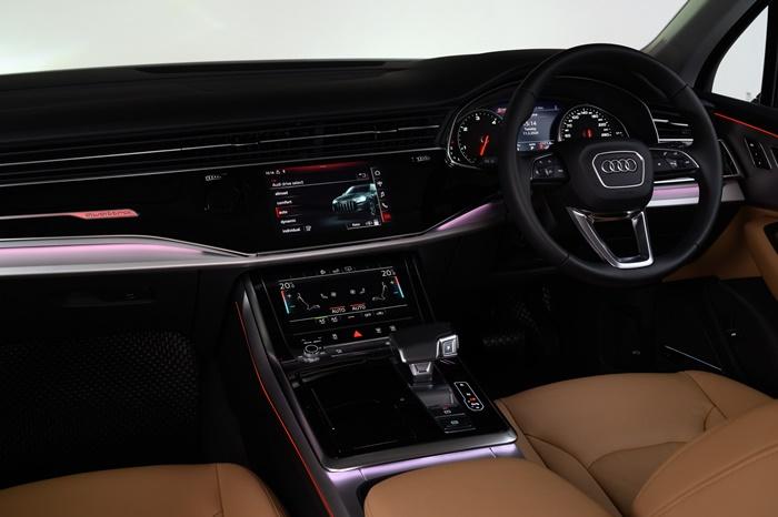 ภายใน Audi Q7กว้างขวาง ทันสมัย