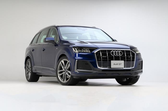 ด้านหน้า Audi Q7