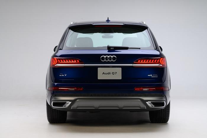 ด้านหลัง Audi Q7