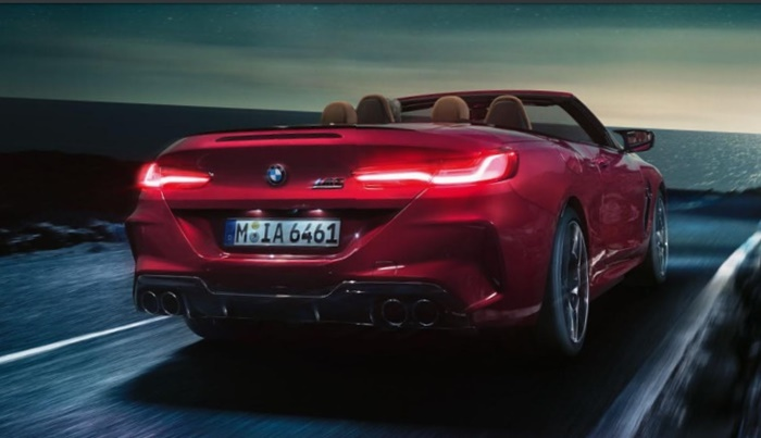 ด้านหลัง BMW M8 Competition Coupe