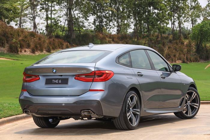 ด้านหลัง BMW 630i GTM Sport ไฟท้าย LED