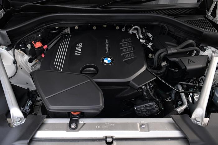BMW X4 xDrive20d M Sport X 2020 มาพร้อมขุมพลังดีเซล 2.0 ลิตร