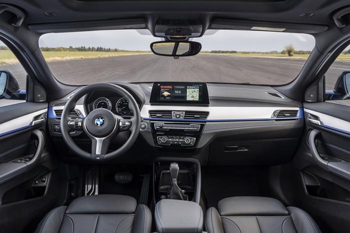 ภายใน BMW X2 xDrive25e ตกแต่งอย่างทันสมัย รองรับผู้โดยสารได้ 5 ที่นั่ง