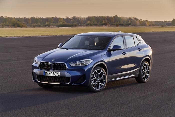 BMW X2 xDrive25eมากับสีใหม่ สีน้ำเงิน Phytonic Blue Metallic
