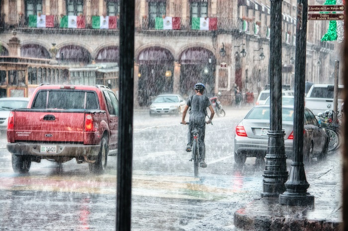 ฝนกรด เป็นสาเหตุหนึ่งที่ทำให้สีรถหมองเร็ว