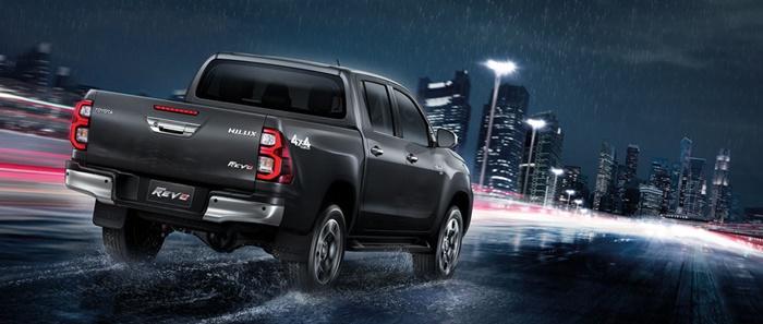 ขับขี่ปลอดภับมากขึ้นด้วยเทคโนโลยี Toyota Safety Sense