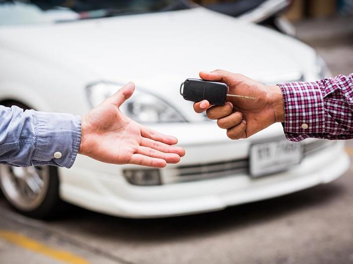 ก่อนซื้อขายรถยนต์มือสอง ควรตรวจสอบรายละเอียดให้ดีว่าตรงกับเล่มทะเบียนไหม