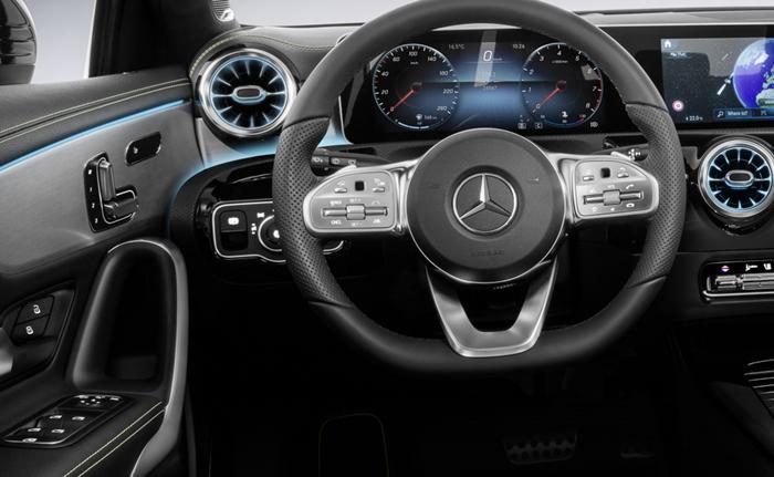 พวงมาลัยมัลติฟังก์ชันแบบ sports steering wheel