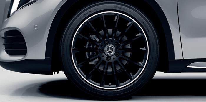 ล้ออัลลอยดีไซน์สปอร์ตจาก AMG แบบ Multi-spoke ขนาด 19 นิ้ว