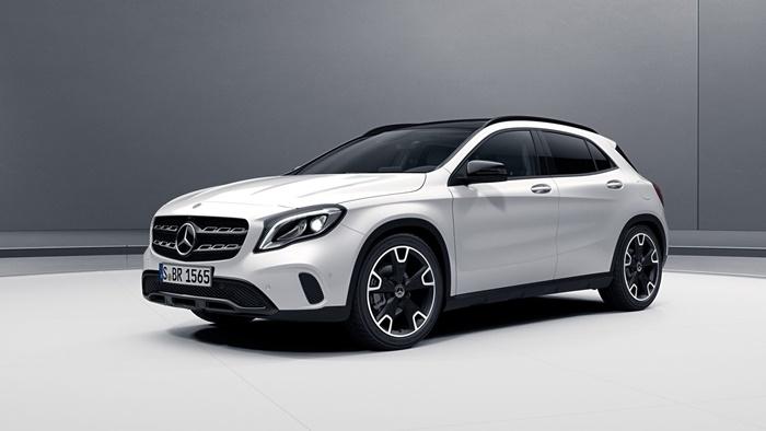 ด้านหน้าMercedes Benz GLA