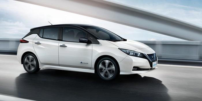 Nissan Laef