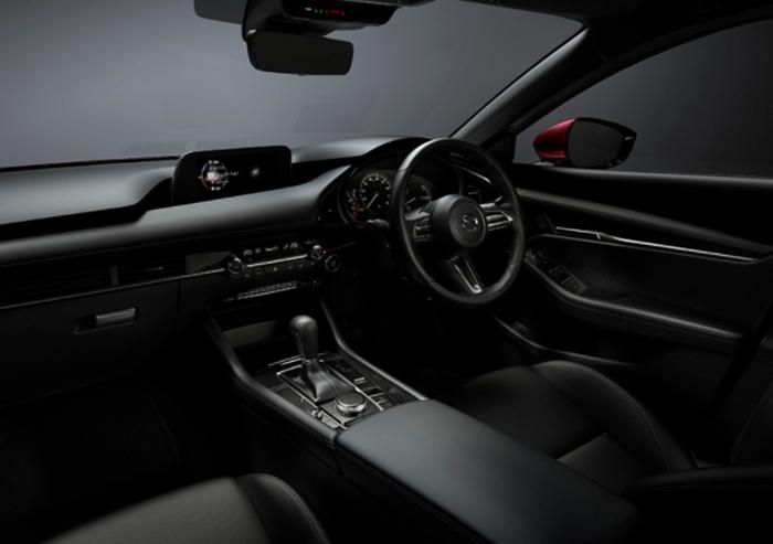 ภายในห้องโดยสารของ All-New Mazda3 โอ่อ่า กว้างขวาง