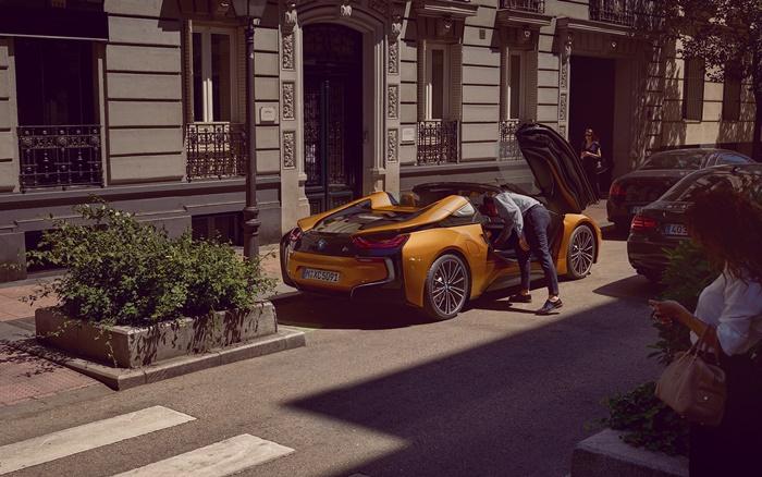 BMW i8 Roadster 2021 ราคา12.999 ล้านบาท
