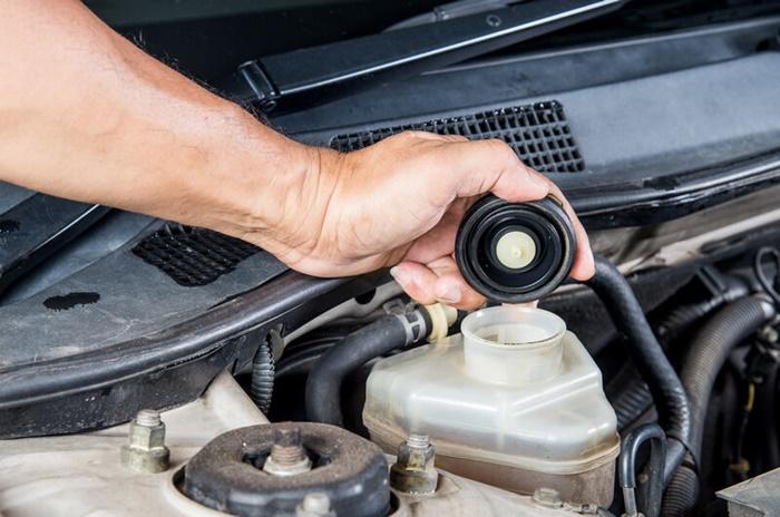 น้ำมันเบรกรถยนต์ควรเปลี่ยนทุก ๆ 1 ปี หรือตามความเหมาะสม