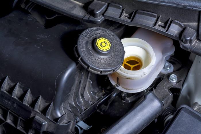 ค่าซ่อมน้ำมันเบรกขึ้นอยู่กับคุณภาพของอุปกรณ์ที่เปลี่ยน