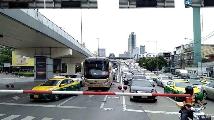 เพื่อลดอุบัติเหตุในแหล่งชุมชนและสถานที่ราชการ
