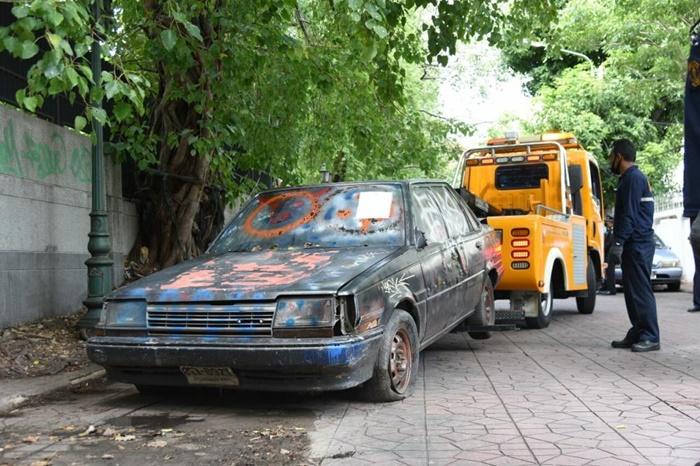 ผู้ที่ฝ่าฝืนจอดทิ้งซากรถยนต์ต้องระวางโทษปรับไม่เกิน 5,000 บาท
