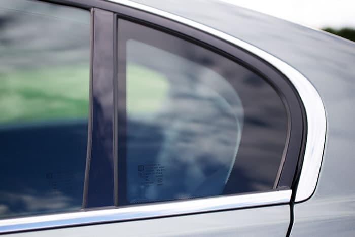 ฟิล์มกระจกรถยนต์ ยี่ห้อไหนดี
