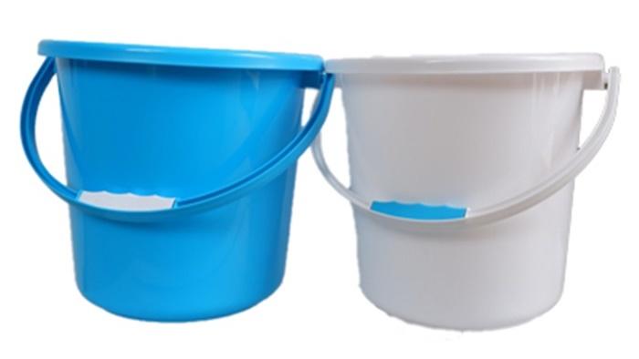 ในการเตรียมอุปกรณ์ล้างรถ ควรเตรียมถังน้ำไว้ 2 ใบ