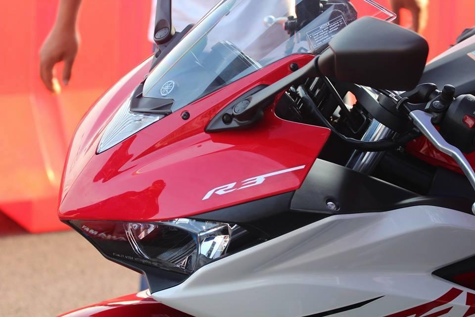 2015-Yamaha-Yzf-R3 (2)
